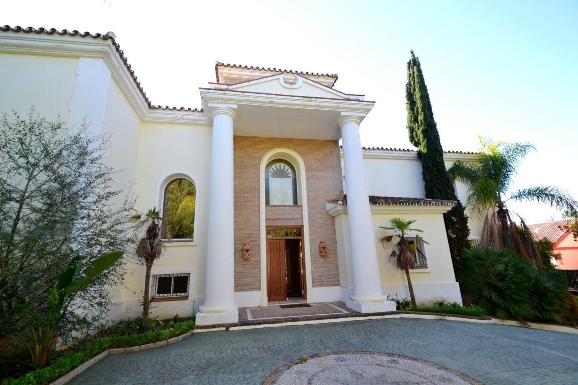 Marbella Banus Villa – Chalet en Venta en The Golden Mile – R3052792