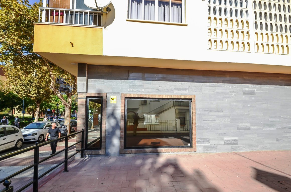 Commercial local in Miraflores area, close to Marbella center  Excellent opportunity! Fantastic loca, Spain