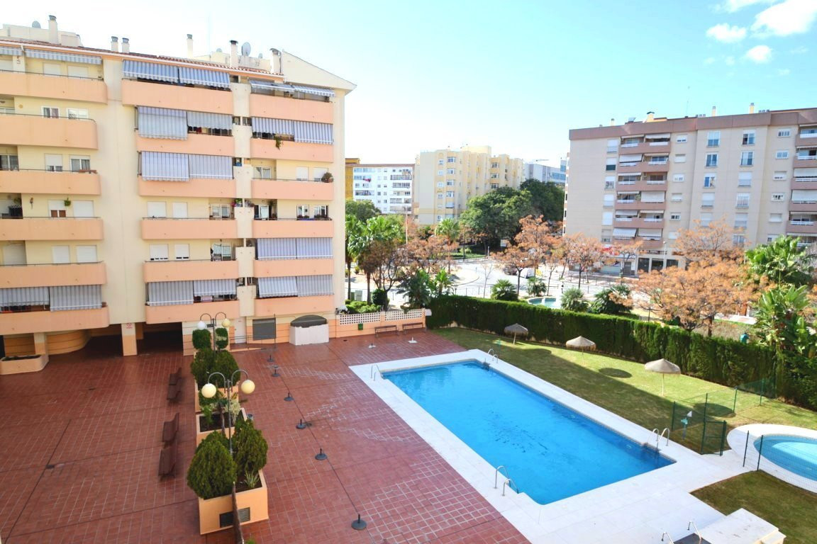 3 bedroom apartment in Miraflores area  Cozy 3 bedroom, 1 bathroom southwest facing apartment in gat, Spain