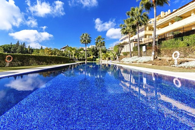 2 bedroom apartment in Sierra Blanca  Located in one of the most prestigious and luxurious complexes,Spain