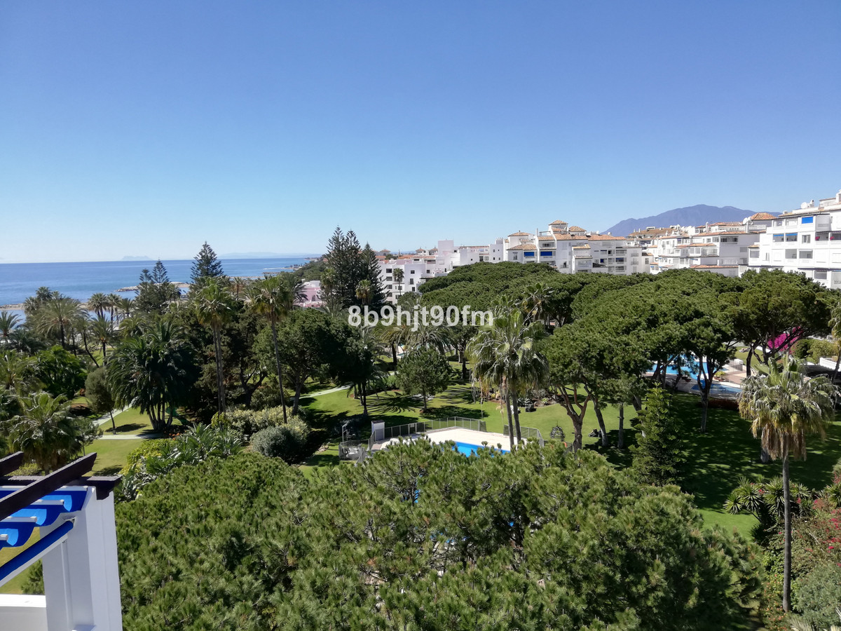 4 bedroom apartment for sale puerto banus