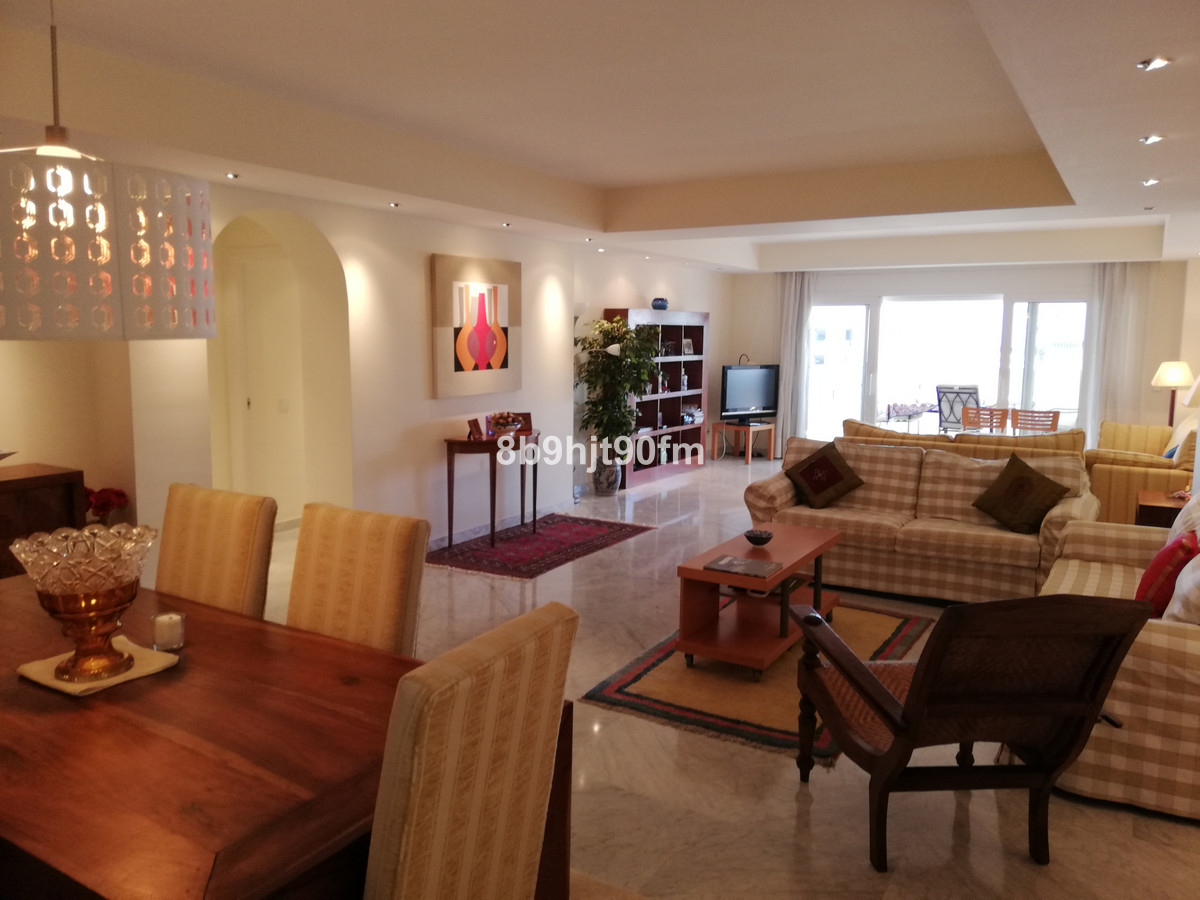 Beautiful apartment with 3 bedrooms, 3 bathrooms and large living room with magnificent views of the,Spain