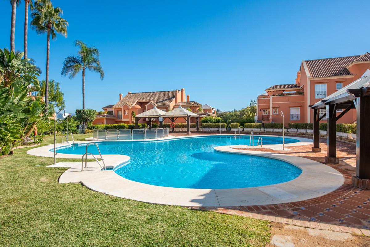 Marbella Banus Apartamento en Venta en Nueva Andalucía – R3765553