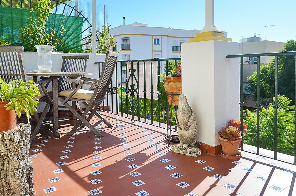 Townhouse, Estepona, Costa del Sol. 4 Bedrooms, 3 Bathrooms, Built 131 m², Terrace 20 m².  Setting :,Spain