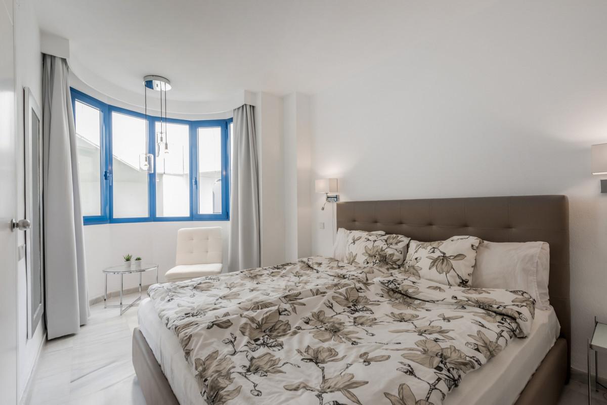 Apartamento en Venta en Marbella – R3700325