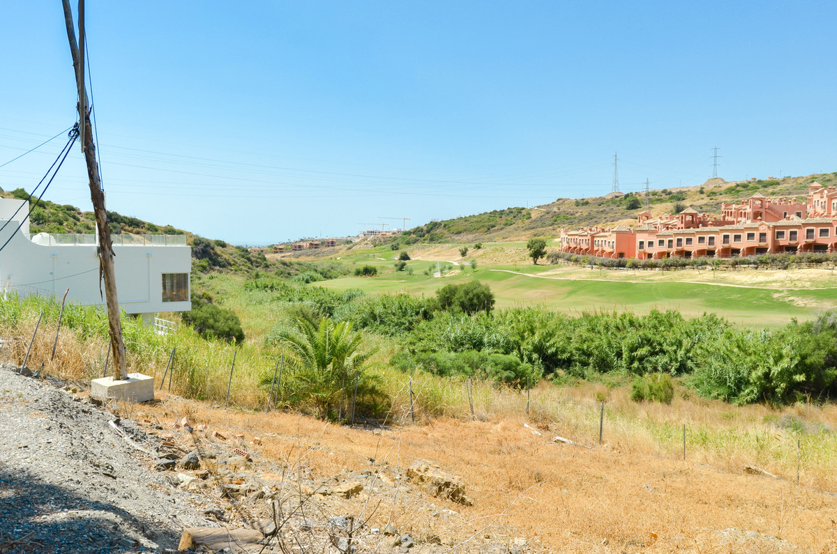 Residential Plot, Estepona, Costa del Sol. Garden/Plot 495 m².  Setting : Frontline Golf, Close To S, Spain