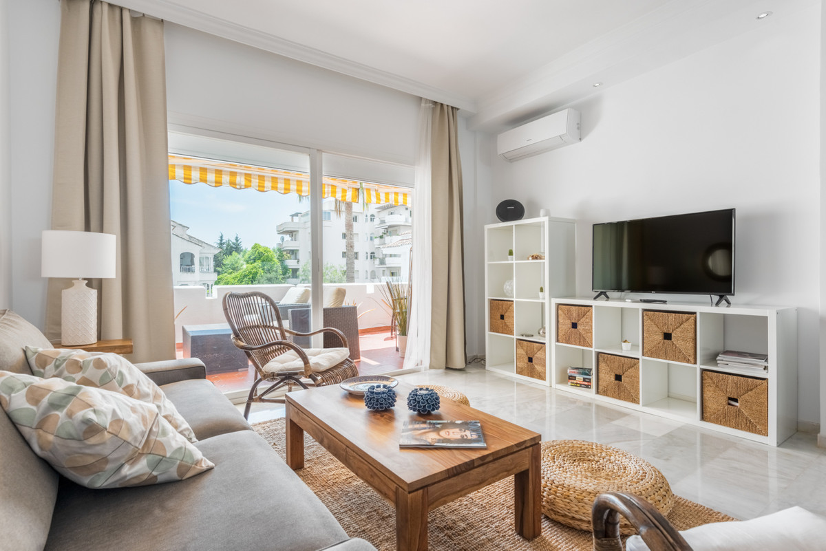 3 Bedroom Penthouse Apartment For Sale Nueva Andalucía