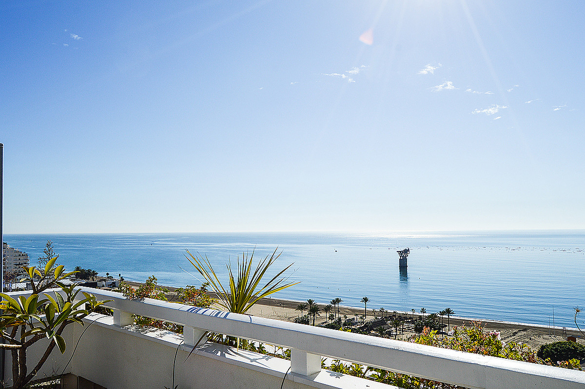 Penthouse, Marbella, Costa del Sol. 2 Bedrooms, 2.5 Bathrooms, Built 96 m², Terrace 125 m².  Setting, Spain