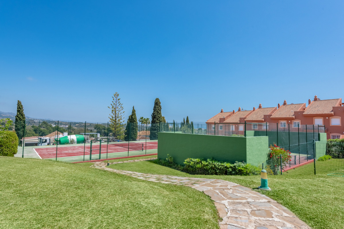 3 Bedroom Townhouse For Sale, Nueva Andalucía