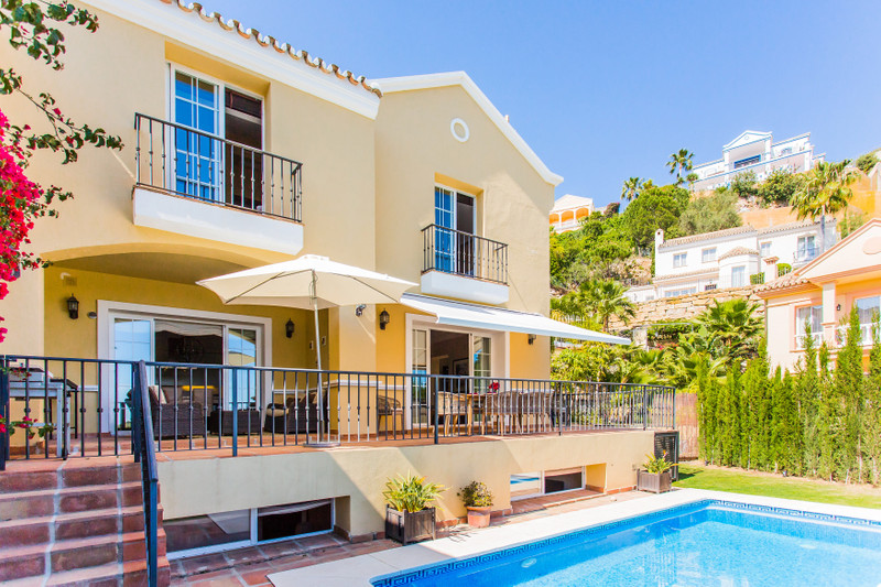 Villa for sale in Istan 27
