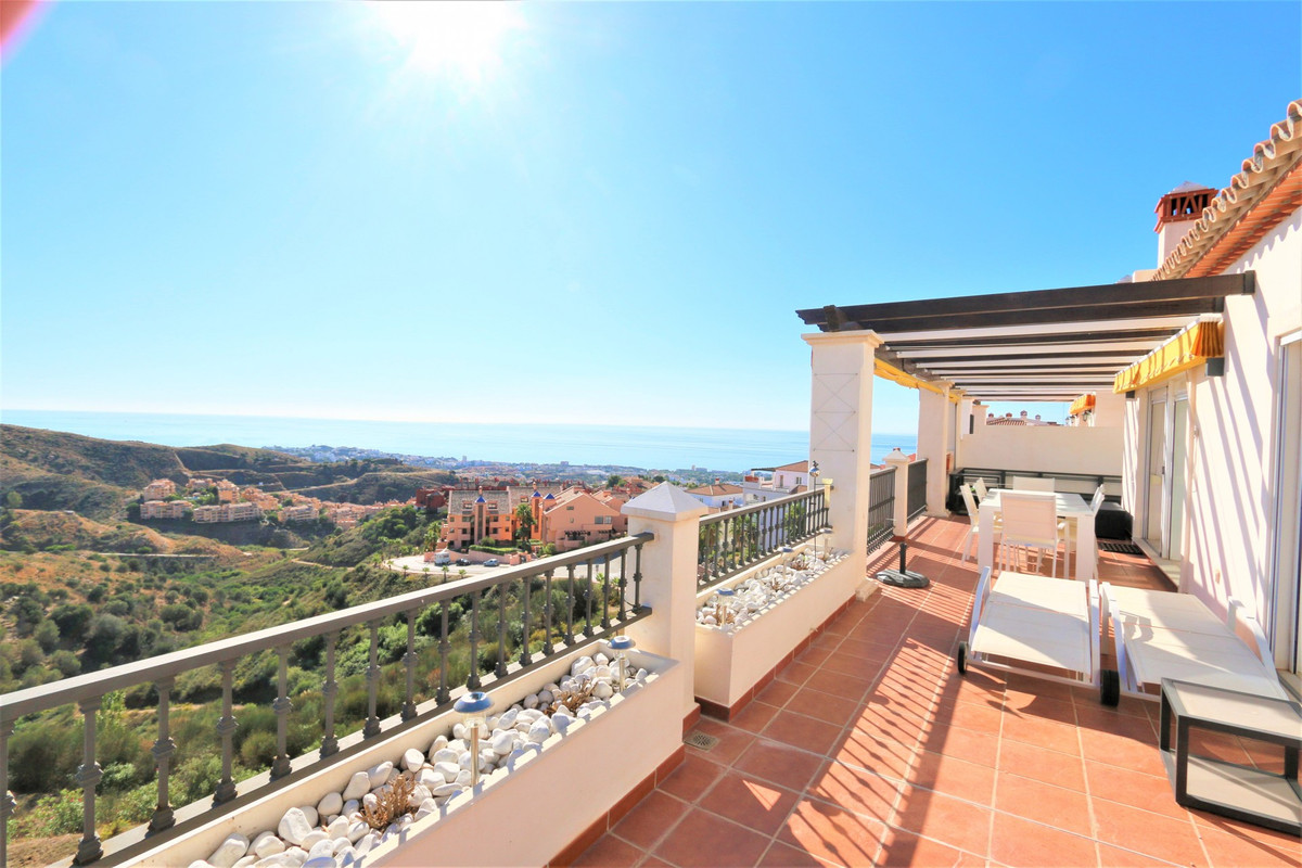 Marbella Banus Apartamento en Planta Última en Venta en Calahonda – R3512929