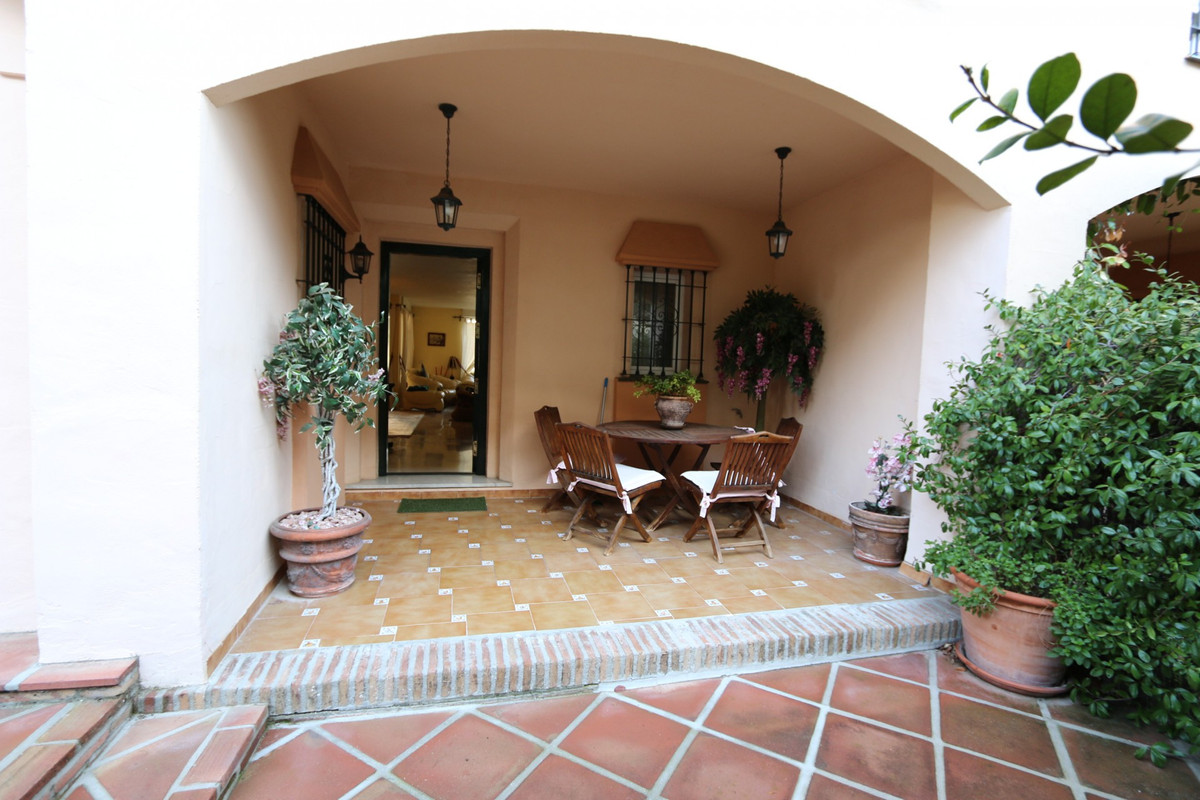 Bright and spacious townhouse situated in Guadalmina Alta frontline golf, on lower level consists of, Spain