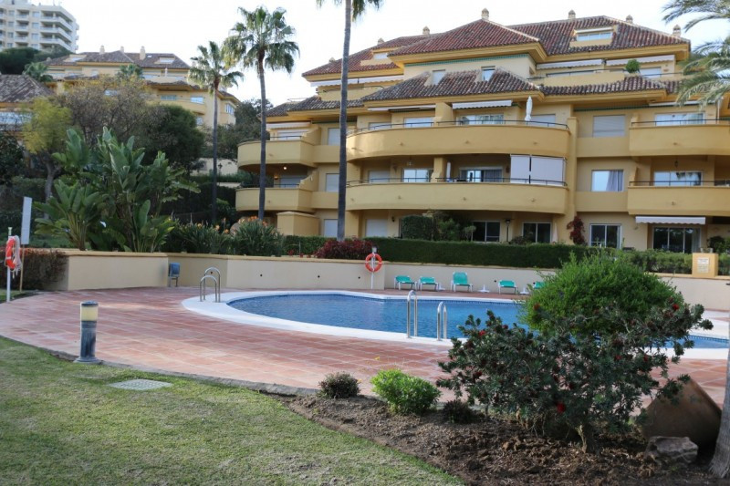 REDUCED FOR QUICK SALE  BEAUTIFUL FRONT LINE GOLF GROUNDFLOOR APARTMENT IN RIO REAL MARBELLA.  A lov,Spain