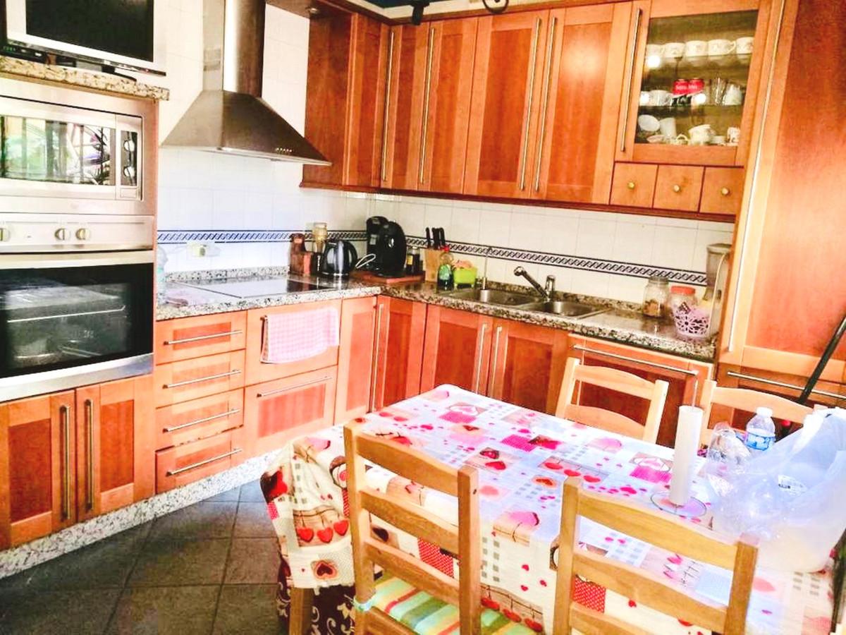 Coqueta casa adosada en El Coto. Mijas Costa. 4 dormitorios y 2 banos mas 1 aseo. Construida en 3 pl,Spain