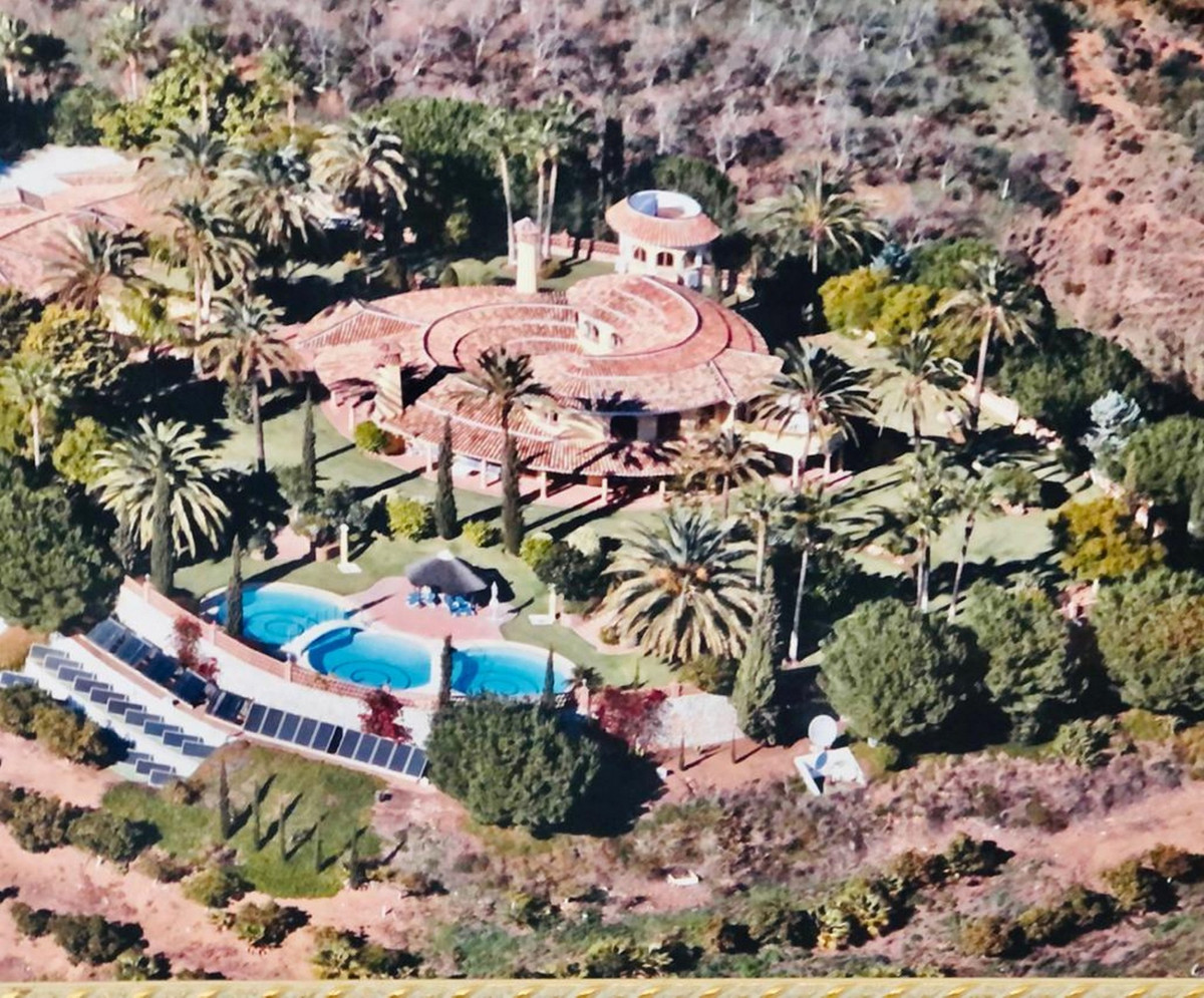 Magnificent farmhouse in Mijas Costa with stunning views. Immense plot of 15,000m2. Single-family ho,Spain