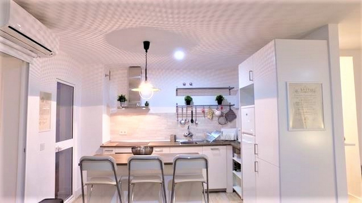 Fantastic apartment located in Torreblanca 40 meters only from the beach! It has an area of ??110 m2,Spain