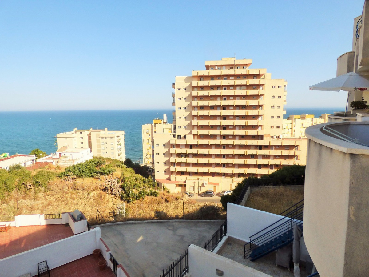 EXCELLENT OPPORTUNITY! BANK REPOSITION. Great urbanization with swimming pools, gardens, gym and pad,Spain