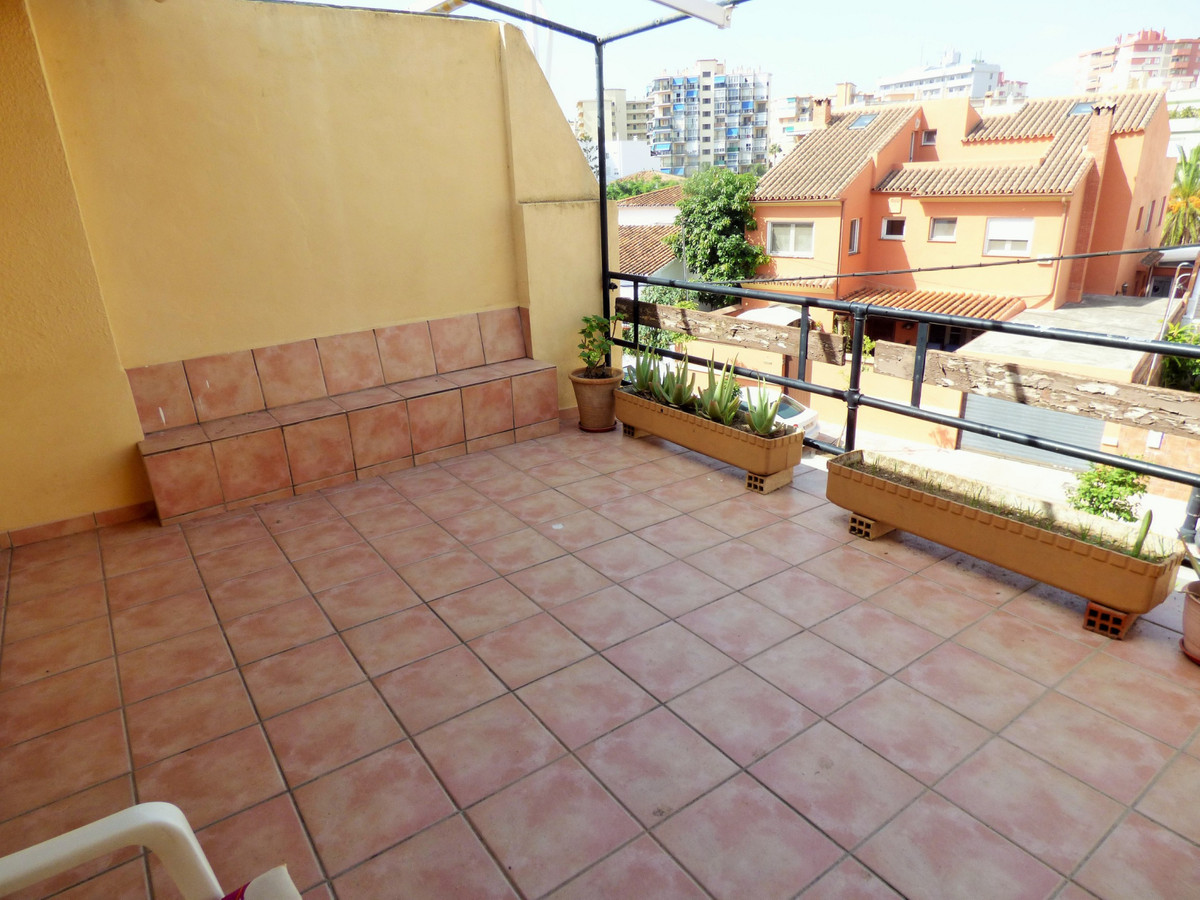 Downtown Fuengirola! Bright and large flat in Fuengirola centro. 4 bedrooms and 2 bathrooms. Two ter, Spain