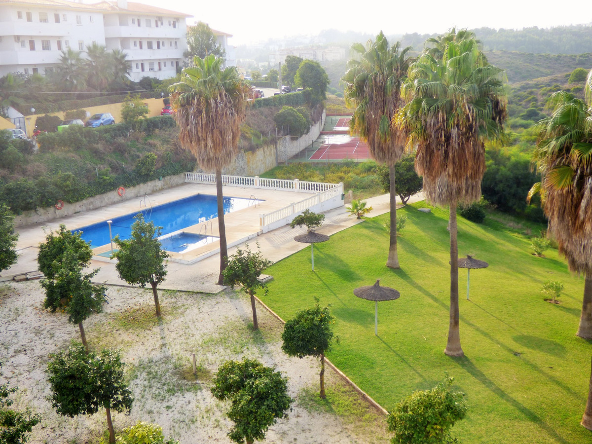 Nice apartment with 1 bedroom and 1 bathroom in Mijas Costa. Kitchen furnished and appliances. Terra, Spain
