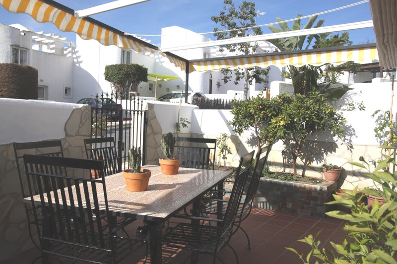 Marbella Banus Adosada en venta en Marbella – R3374395