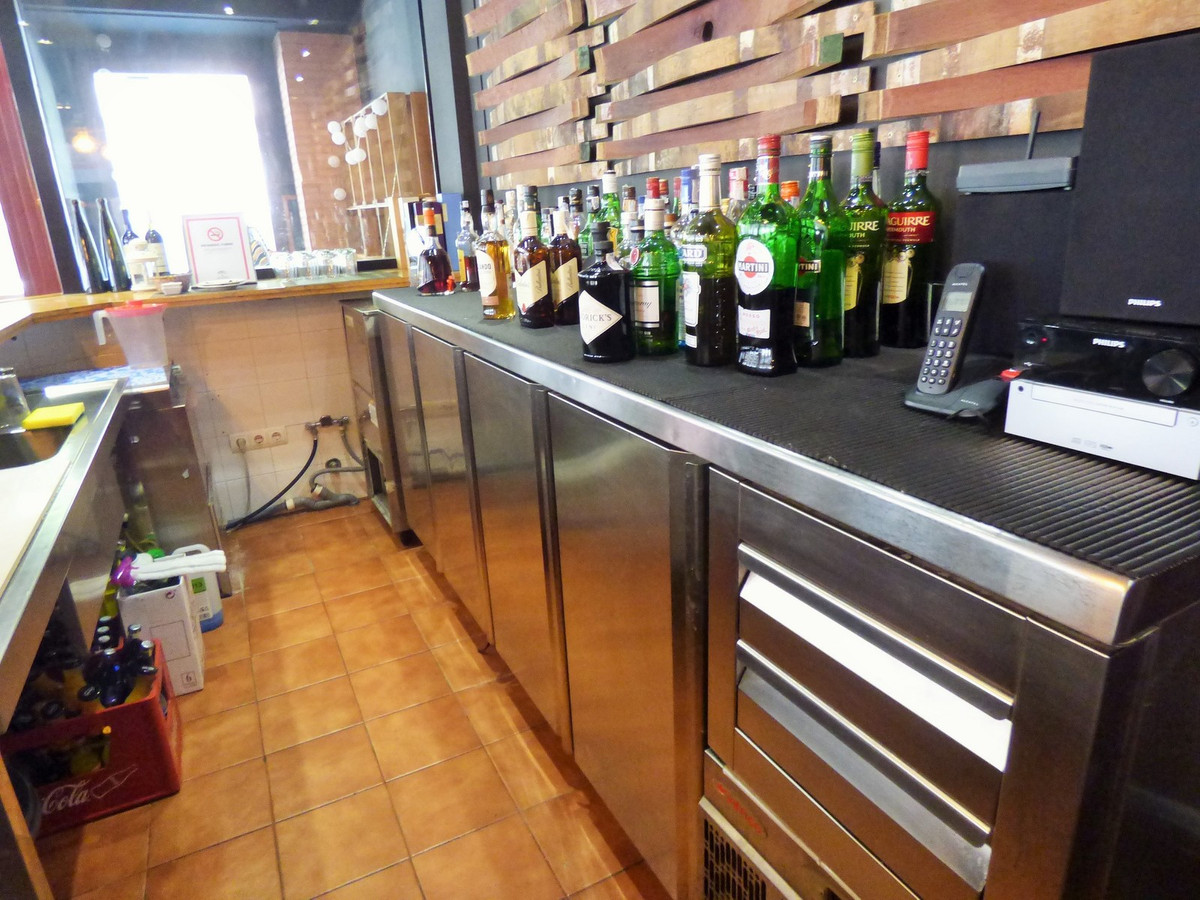 R3222991: Commercial for sale in Fuengirola