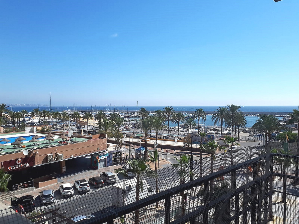 Great studio located on the beachfront and in front of the port of Fuengirola. Its orientation is So,Spain