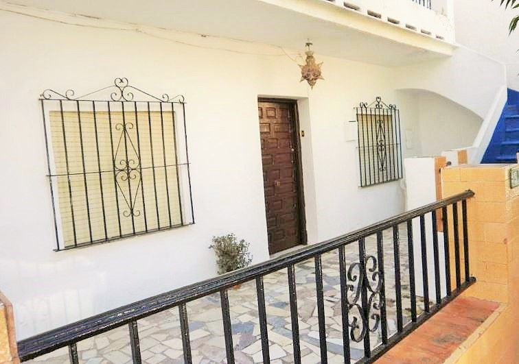 GROUND FLOOR, in the center of Fuengirola. Surrounded by all amenities, schools, supermarkets ... In, Spain