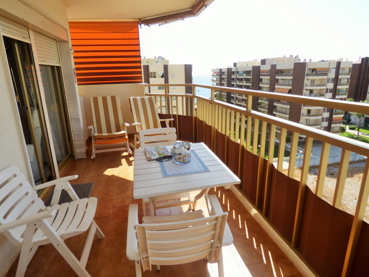Nice apartment. Terrace facing West which allow you to enjoy the sun all day long. 3 beds and 2 bath, Spain