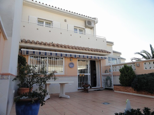 Townhouse - real estate in Fuengirola