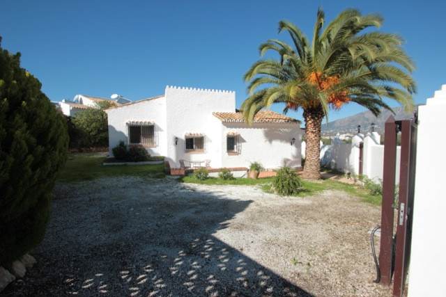 Villa - real estate in Cerros del Aguila