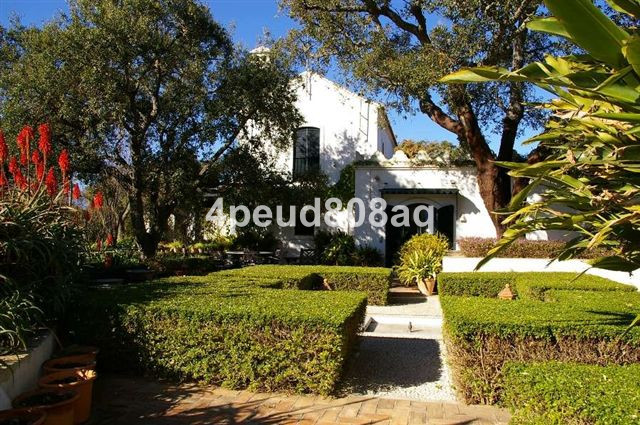 Villa for sale in La Mairena