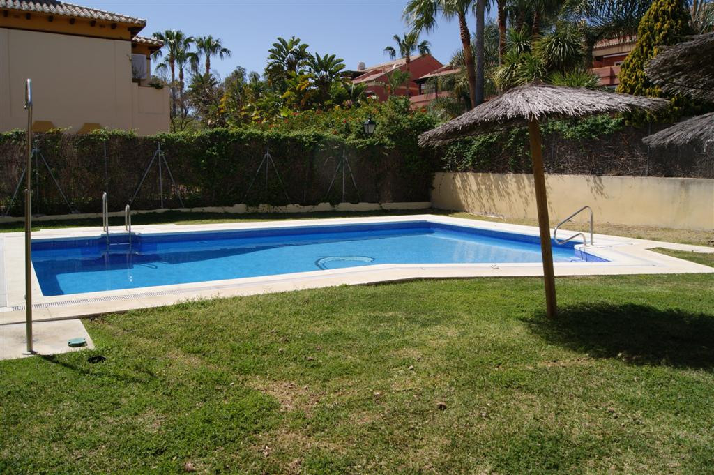 Townhouse for sale in Puerto Banus