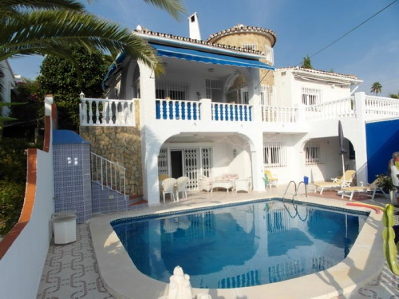 Villa - real estate in Caleta de Vélez