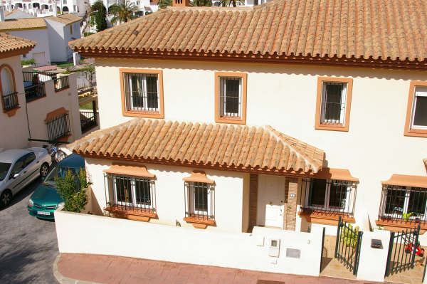 Townhouse - real estate in Miraflores