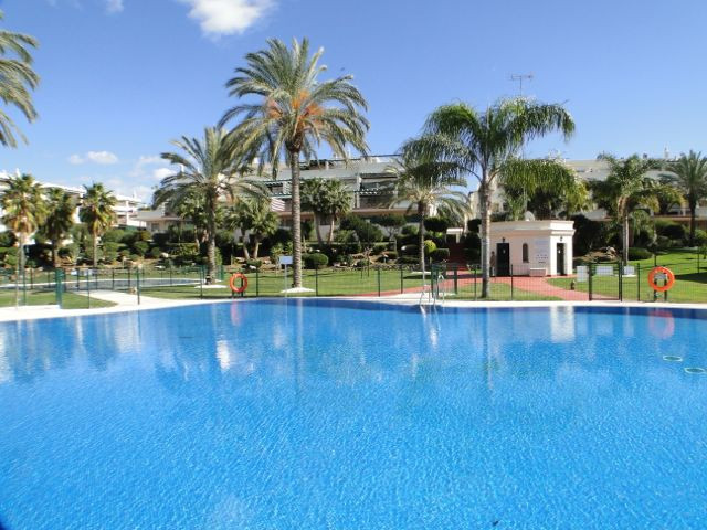 Apartment - real estate in Nueva Andalucia