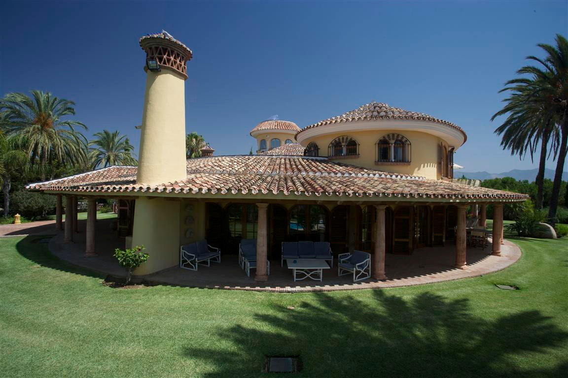 Villa - real estate in Mijas