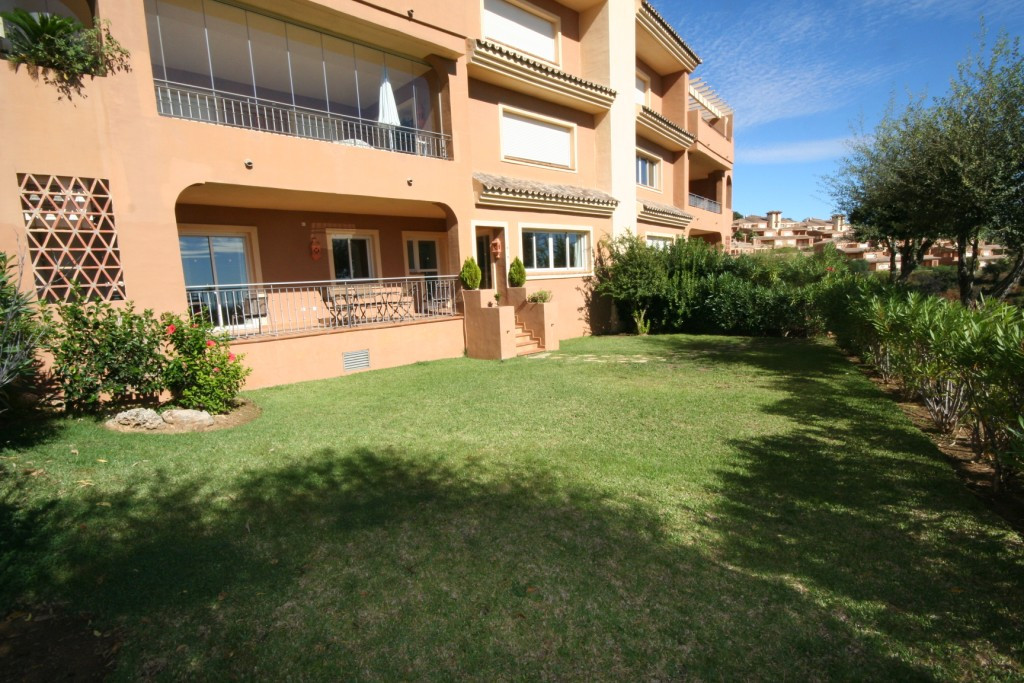 Apartment - real estate in La Mairena
