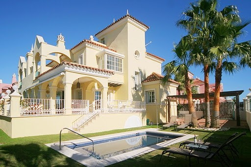 Villa for sale in Puerto Banus