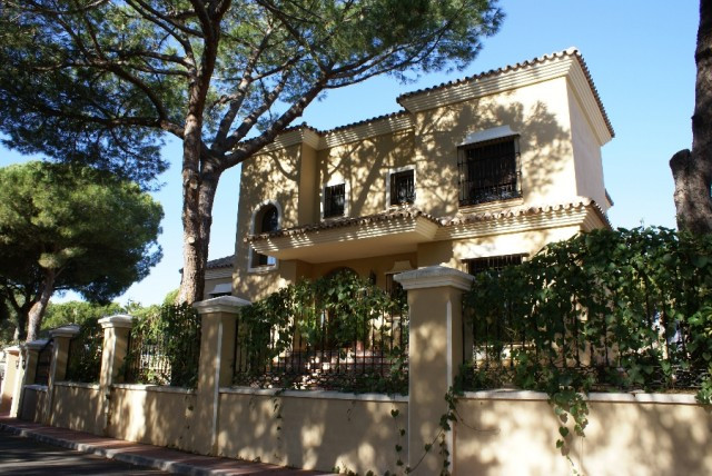 Villa for sale in Las Chapas