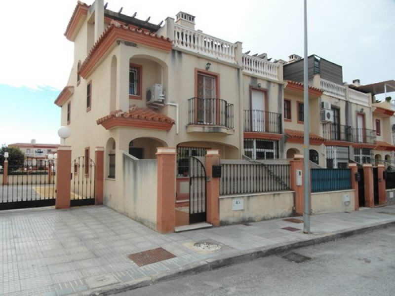 Townhouse for sale in Almayate