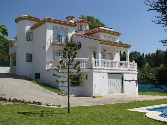 Villa for sale in Campomijas
