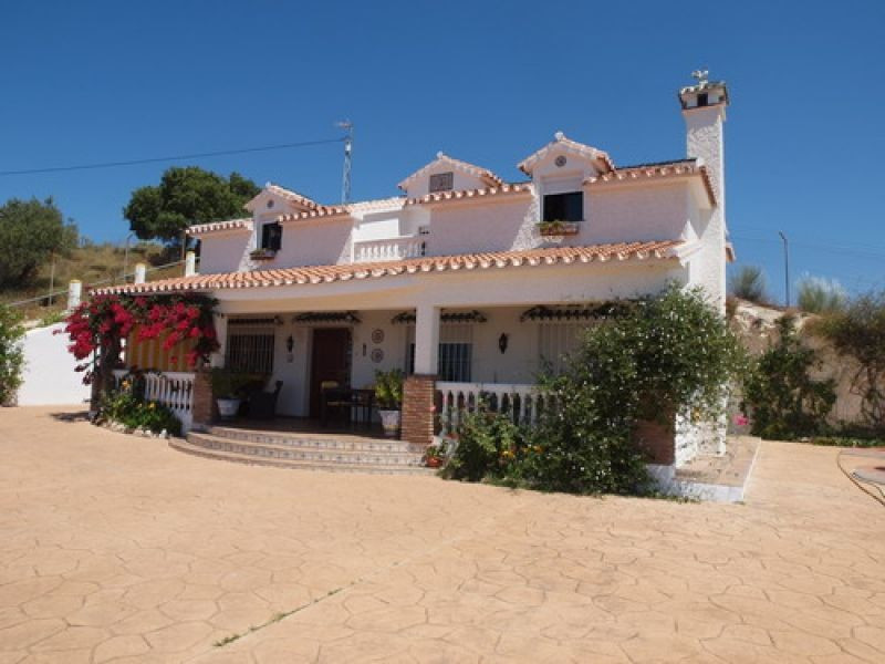 Villa - real estate in Benajarafe
