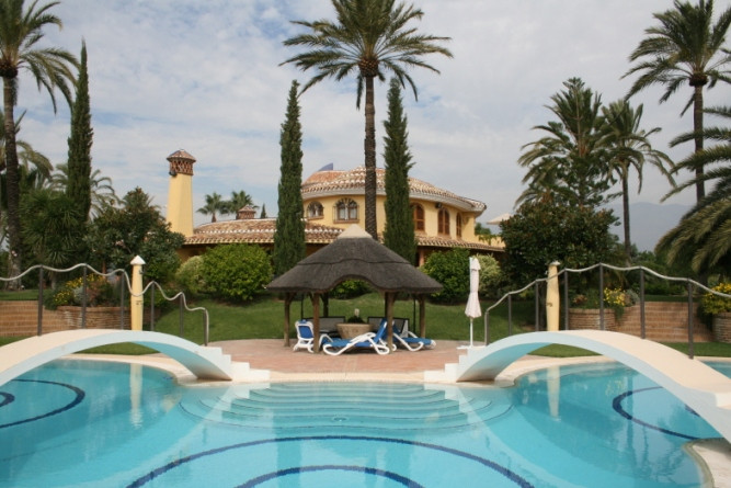 Villa - ejendomsmægler i La Cala