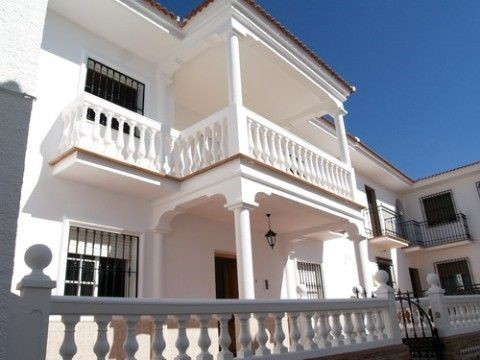 Townhouse - real estate in Periana