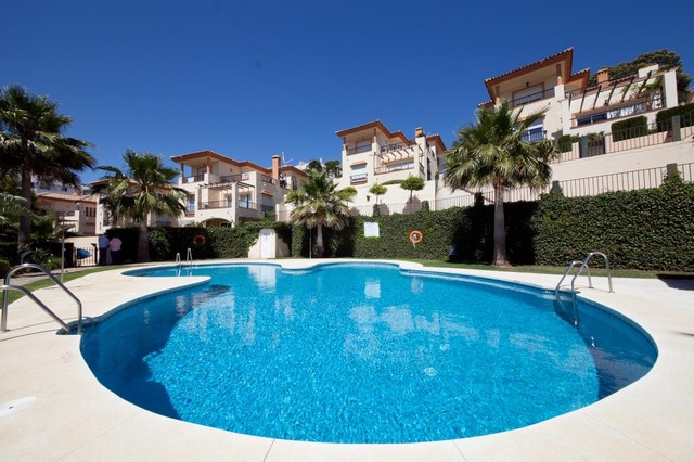 Villa - real estate in Riviera del Sol