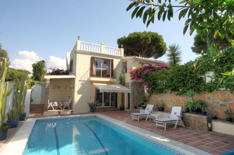 Villa - ejendomsmægler i Calahonda