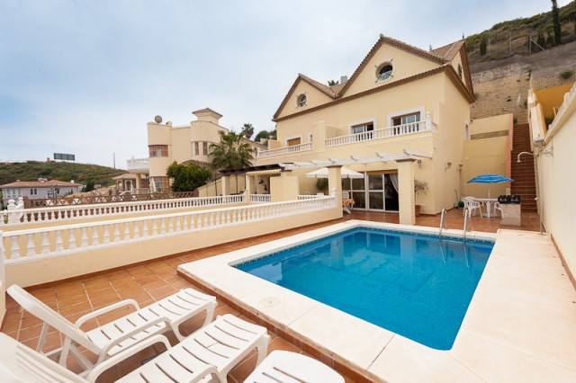 Villa - real estate in Benalmadena Costa