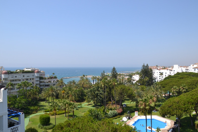 Apartment for sale in Puerto Banus