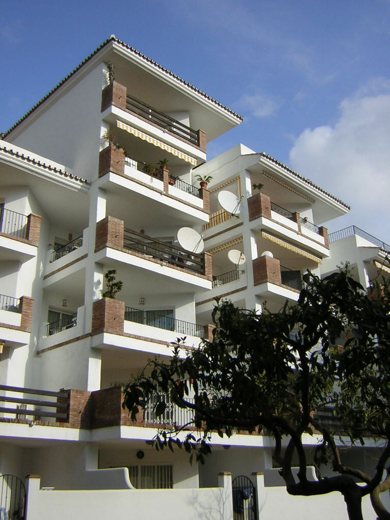 Apartment - real estate in Calahonda