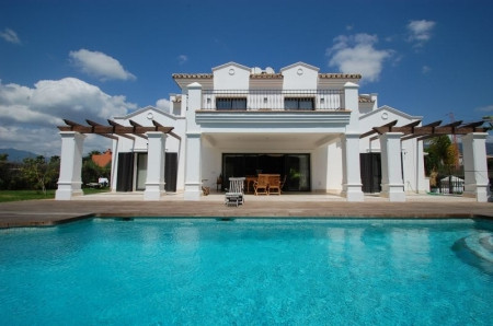 Villa - real estate in Marbella